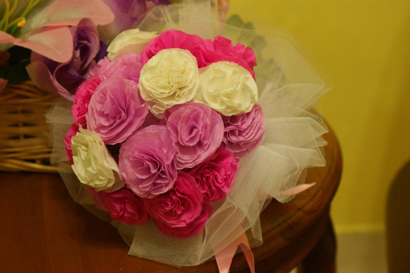Mrs Polkadot Loves D I Y Teaser Diy Paper Flower Hand Bouquet