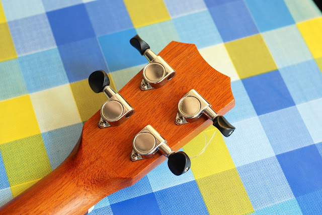 Islander MST-4 ukulele tuners