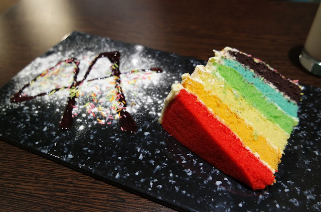 De Melo, Middlesbrough Food Review Rainbow Cake