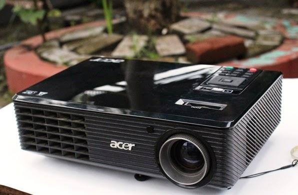 Proyektor Acer X1161n bekas