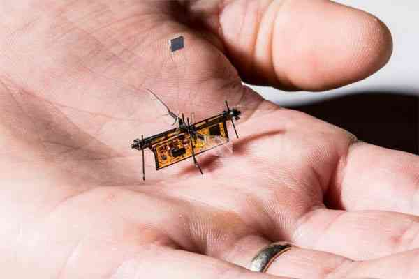 Robot Wireless Bertenaga Laser - RoboFly