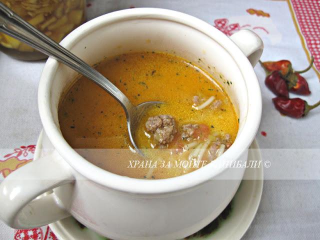 Доматена супа с топчета