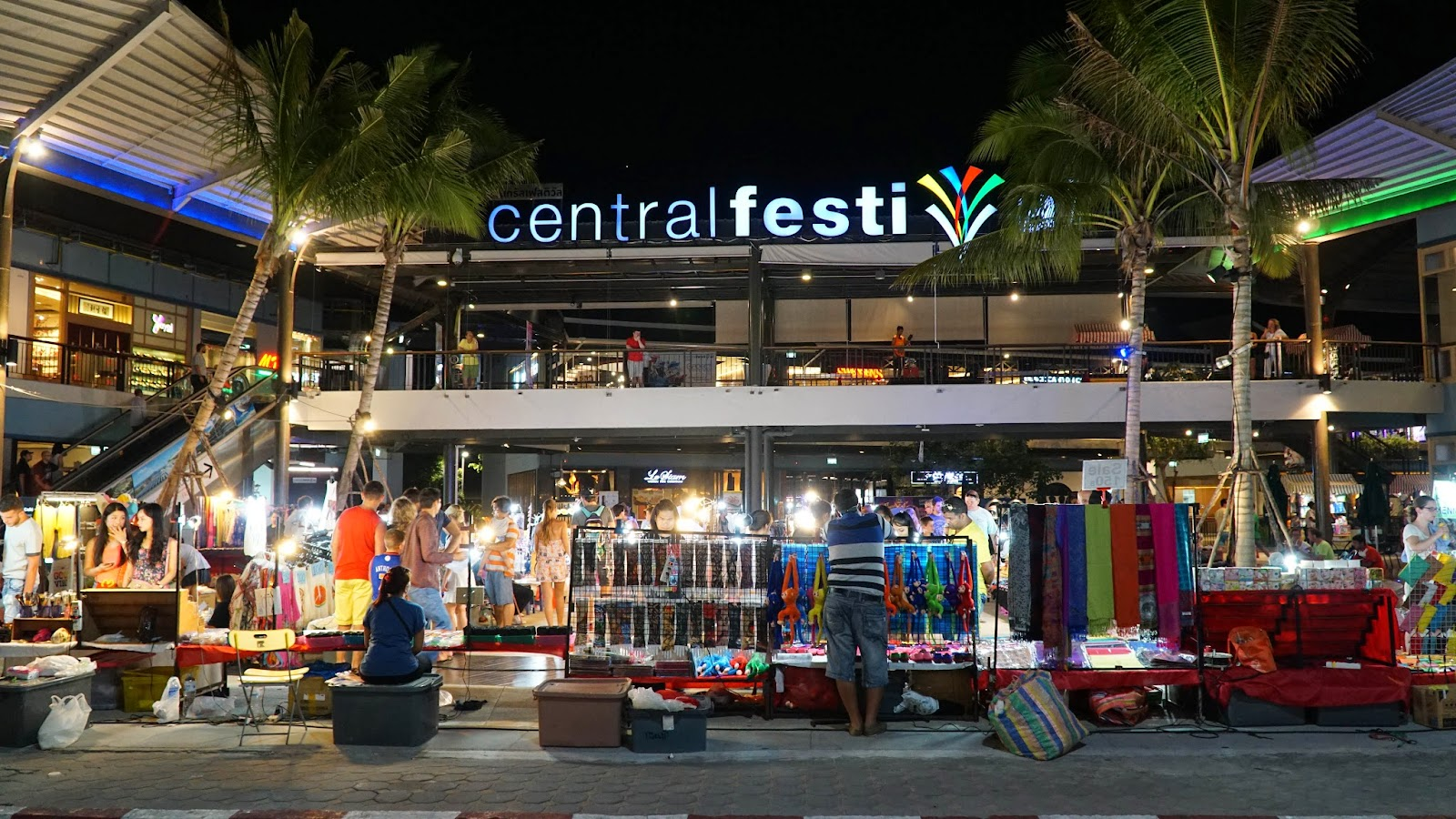 The night market in front of Central Festival Samui in full swing