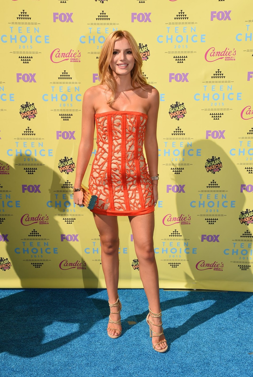 Bella Thorne flaunts legs in a Balmain mini dress at the 2015 Teen Choice Awards