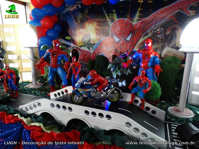 Decoração de festa infantil tema do Homem Aranha - Mesa temática