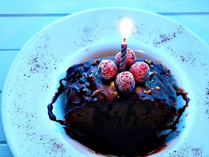 soplar velas pastel