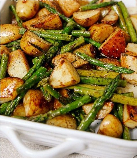 Balsamic Roasted New Potatoes with Aspargus