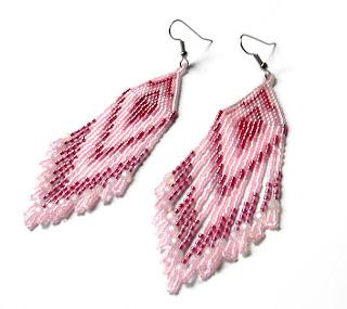 купить нежно розовые серьги из бисера где купить украшения из бисера