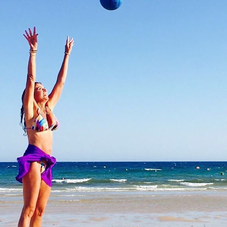 Bárbara Guimarães in Bikini in the summer