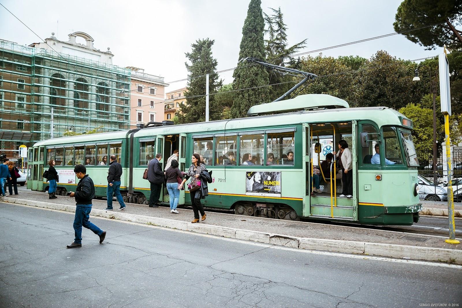 Rome tram Via Flaminia