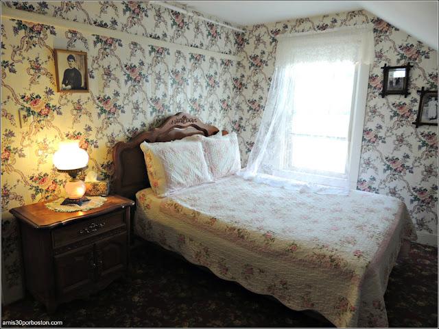 Habitación de Bridget Suvillan en el Lizzie Borden Bed & Breakfast Museum