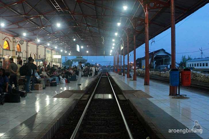 stasiun kereta api kejaksan cirebon