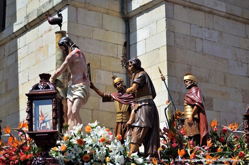 Paso de la Flagelación. Cofradía del Dulce Nombre de Jesús Nazareno. León. Foto G Márquez