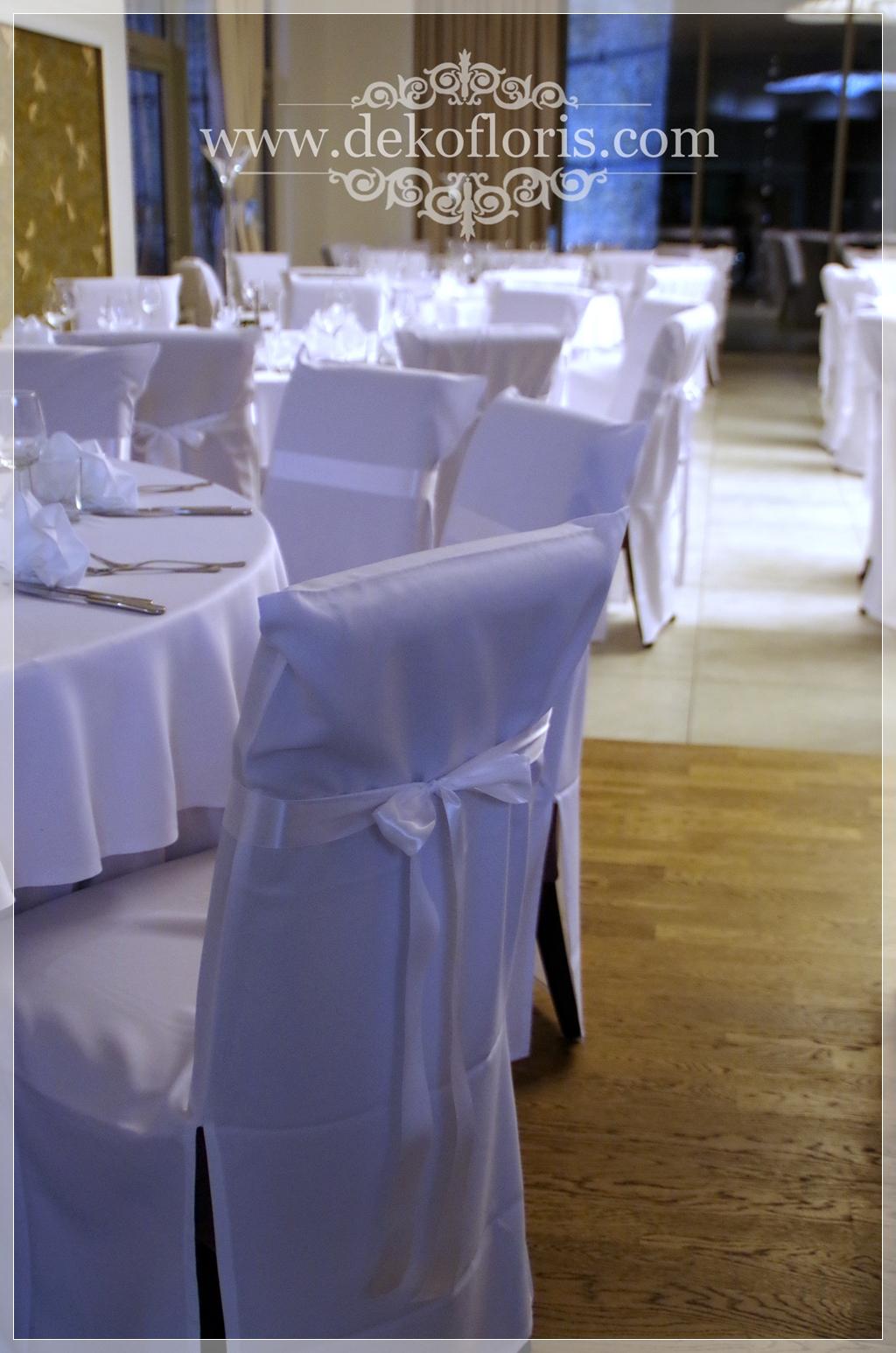 Białe pokrowce na krzesła bal w Hotelu Vertigo Gogolin