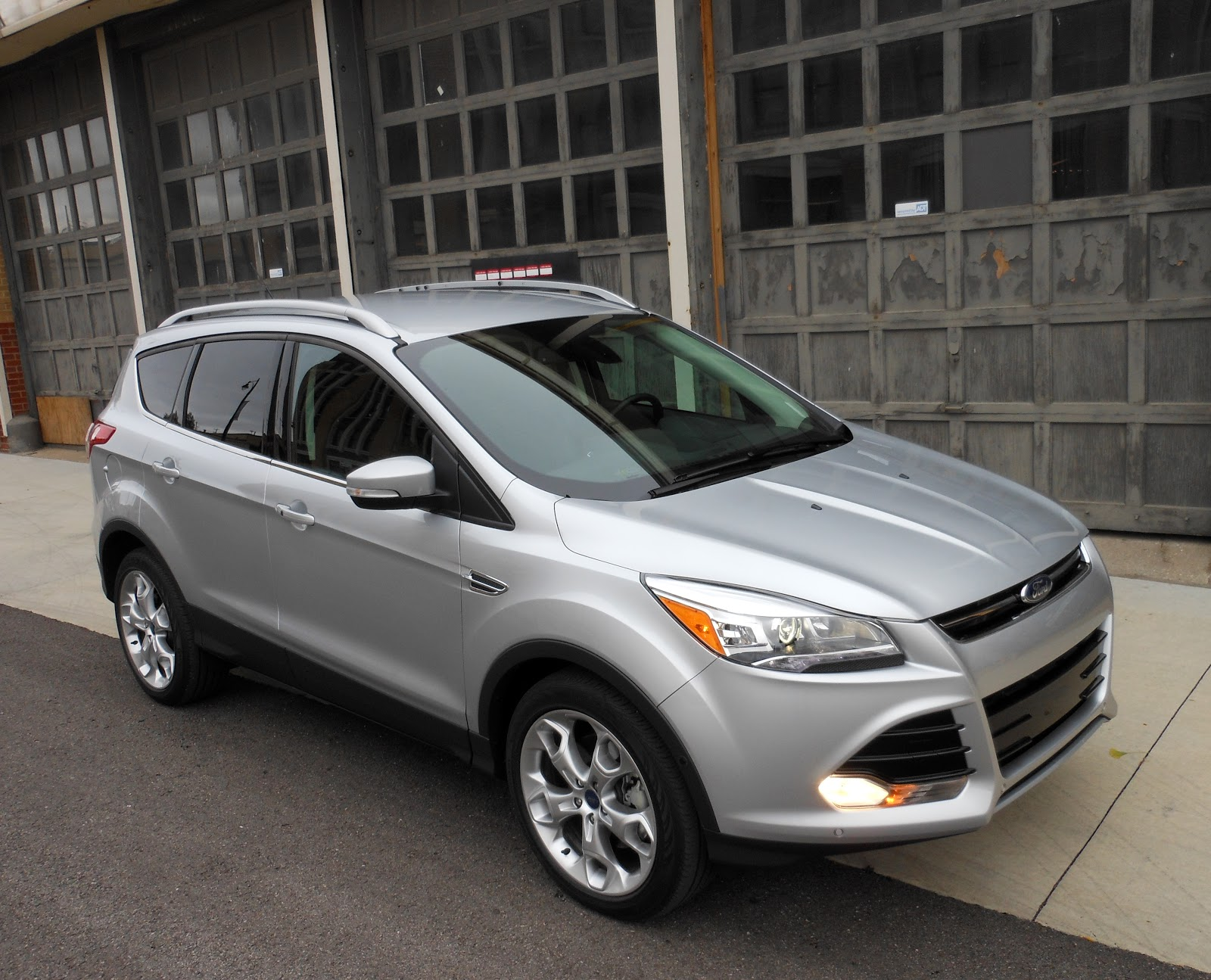my 2013 ford escape is getting good gas mileage autos post. Black Bedroom Furniture Sets. Home Design Ideas