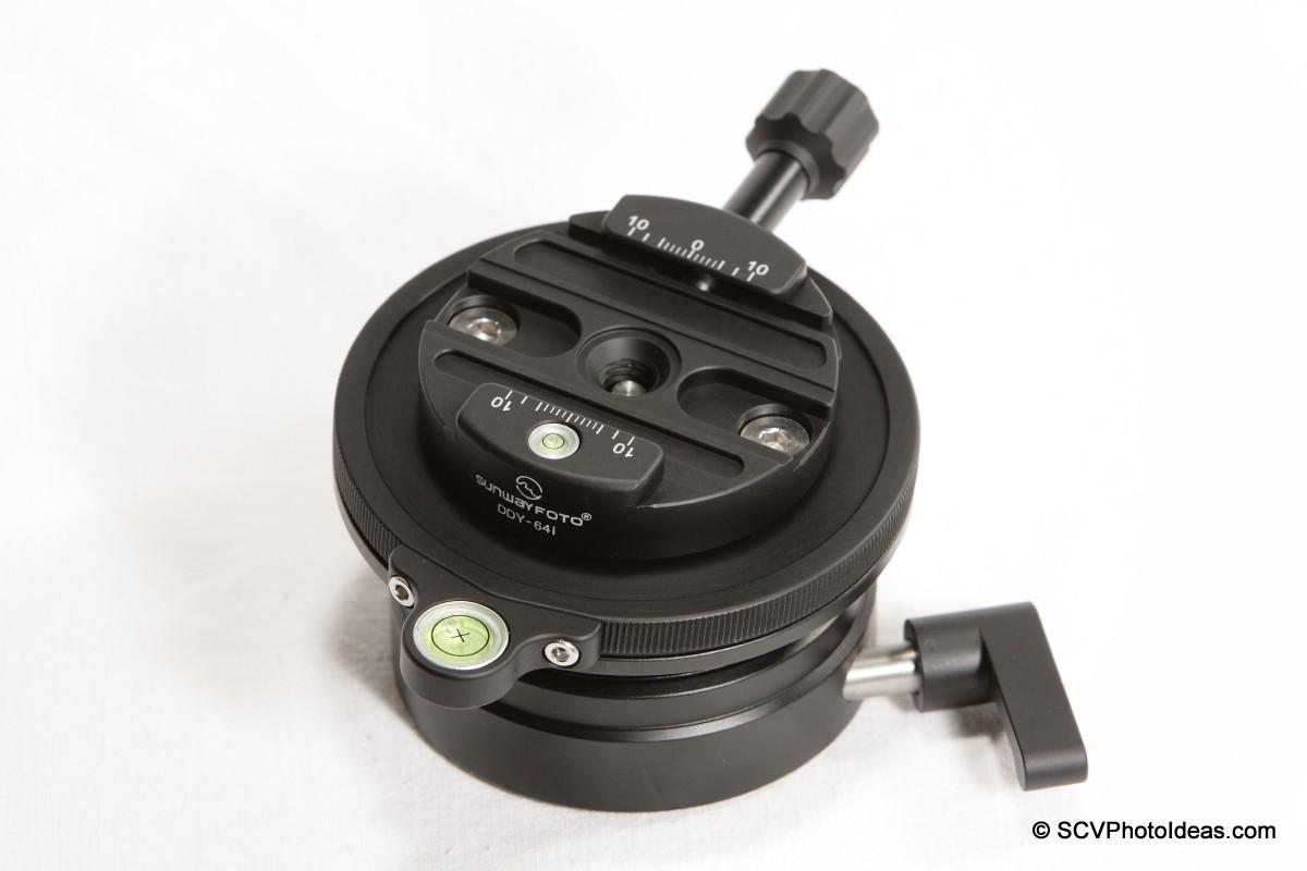 Sunwayfoto DYH-90 w/ DDY-64iL QR clamp installed