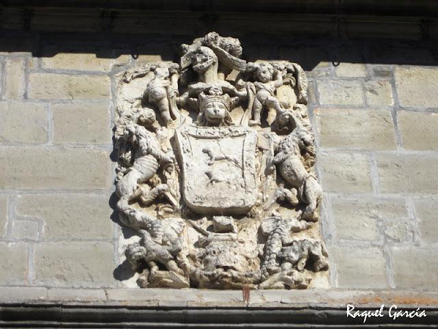 Escudo en Respaldiza, Aiala (Álava)
