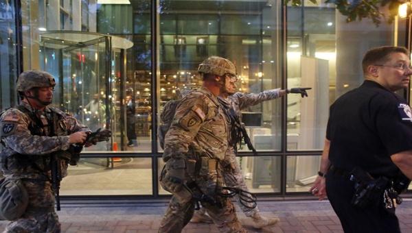 Declaran toque de queda por violencia en Charlotte, EE.UU.