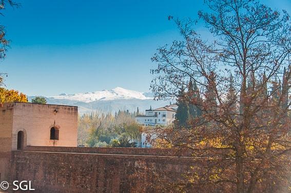 El Mulhacen visto desde la Alhambra. Granada