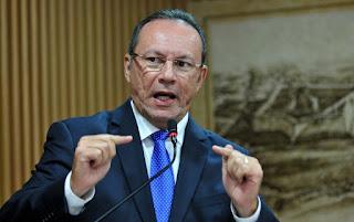Resultado de imagem para TRE libera os vereadores Raniere e Ubaldo para troca de partido 