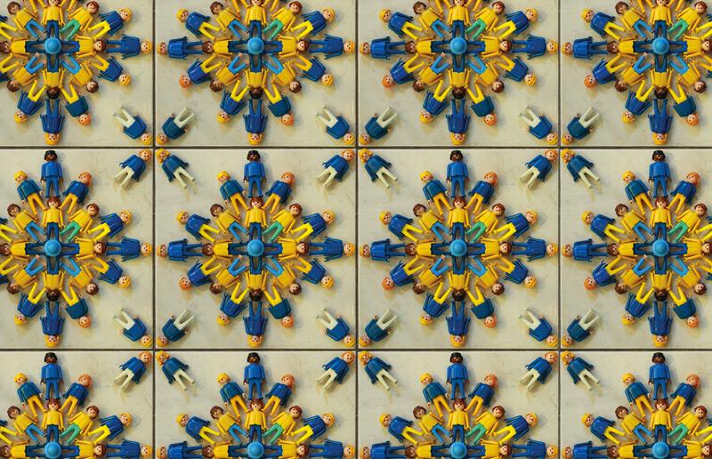 Você precisa conhecer: os azulejos portugueses criados usando playmobils do Heberth Sobral! | Casa&Cozinha