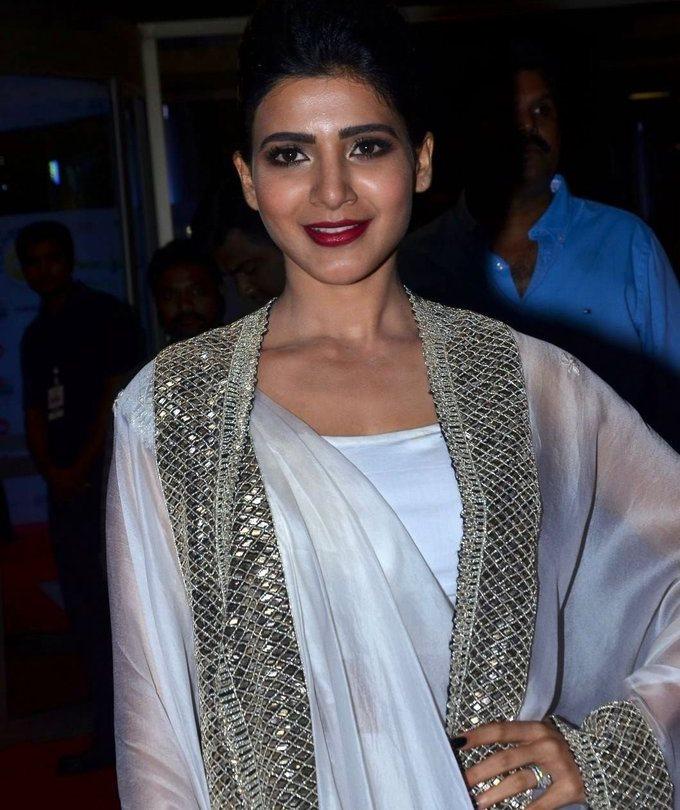 Samantha In White Dress At Jio Filmfare South Awards 2017