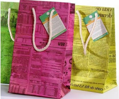 A mi manera c mo hacer bolsas de papel con papel de diario - Hacer bolsas de papel en casa ...