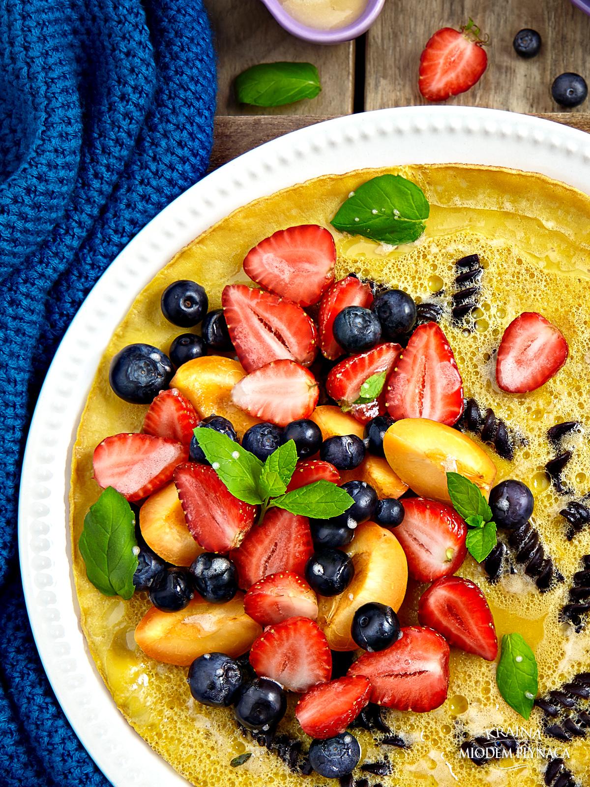 omlet z makaronem i owocami lata, omlet jajeczny, omlet z owocami, grzybek z makaronem, omlet grzybek, grzybek z owocami, konkurs Lubella, makaron mini lubella, makaron z owocami, kraina miodem płynąca