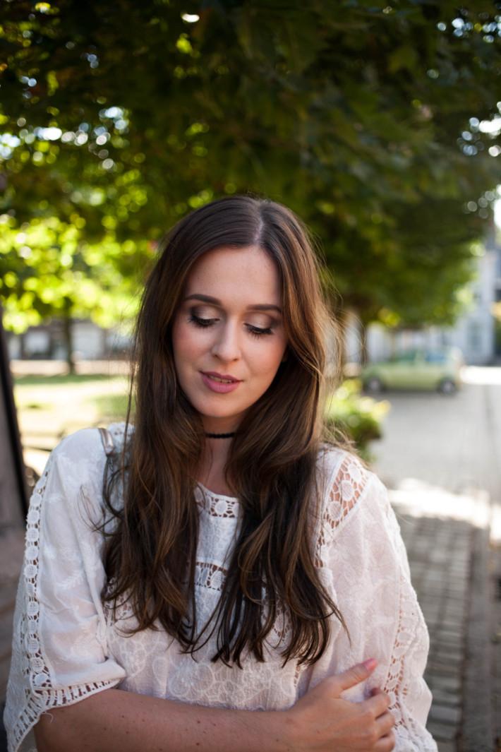 Outfit: crochet blouse