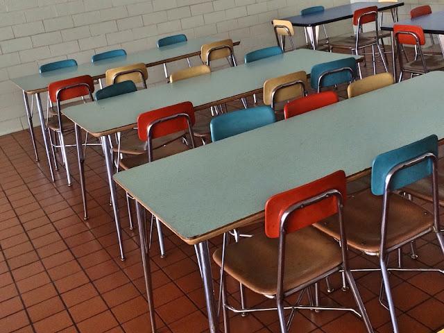 La Audiencia Provincial de Barcelona condena a un centro escolar por no haber controlado debidamente las inasistencias al comedor de una alumna con trastornos alimenticios