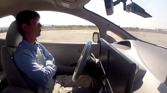 otonomos car mobil otomatis yang mampu berjalan tanpa di kemudikan