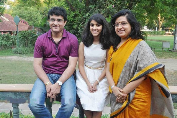 Sourav Ganguly Images with wife