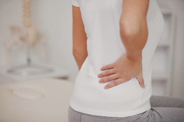 Tại sao mọi người hay bị bệnh đau lưng