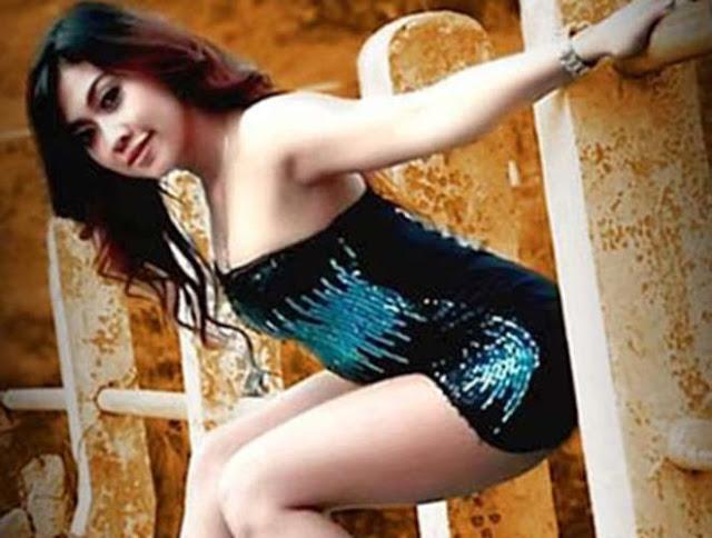 Penyanyi Dangdut Hot Jogja, Ana Velisa Si Goyang Kempit