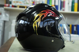 ファイヤーステッカー,ヘルメット