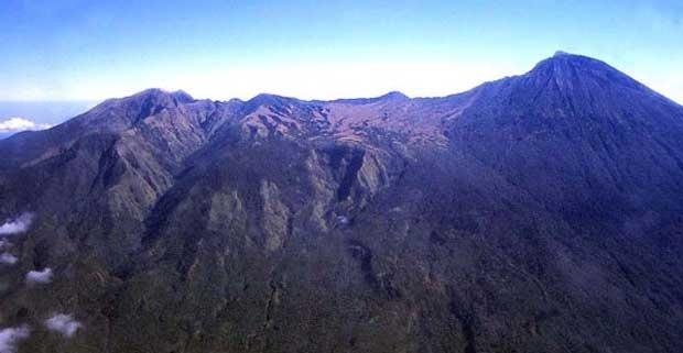 gunung sanggar