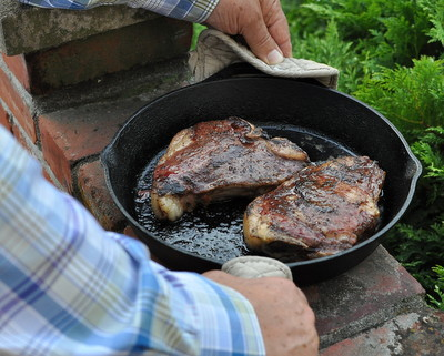 Frozen Steaks ♥ KitchenParade.com, steaks perfectly cooked straight from the freezer, no thawing required.