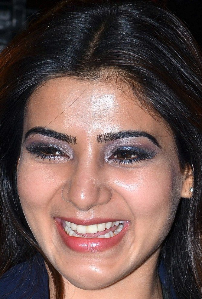 Indian Actress Samantha Smiling Face Close Up Images
