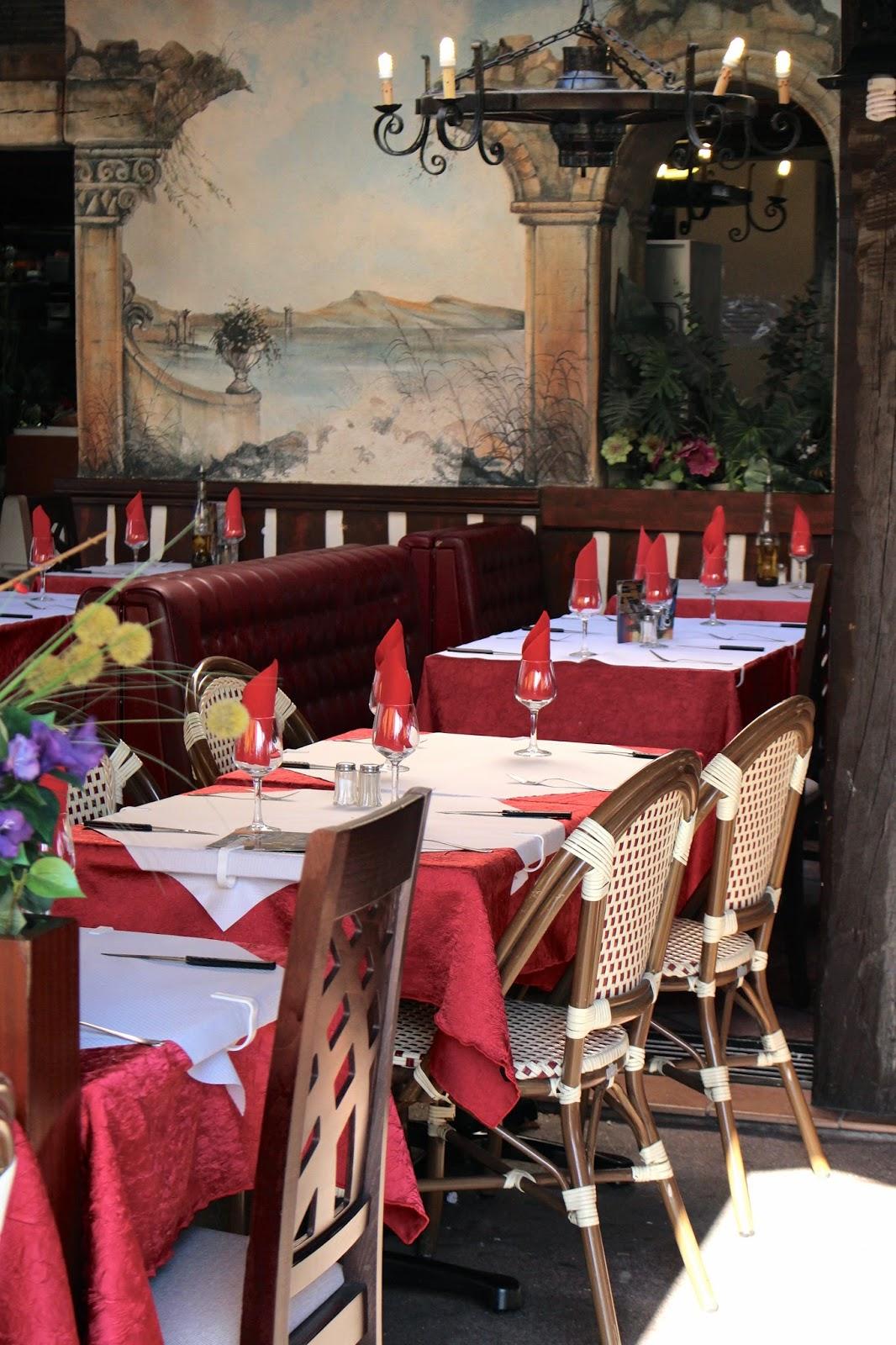 Saint-Raphaël La Roma Italian restaurant