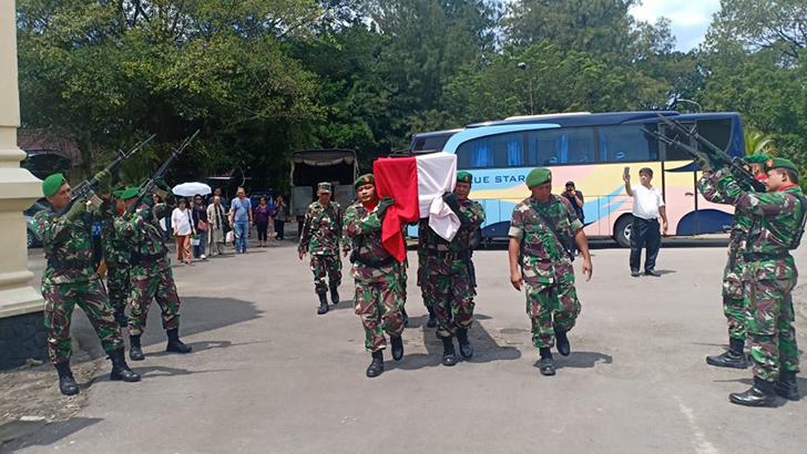 Upacara Pemakaman Militer Almarhumah Soemarni Koesmanto  Veteran