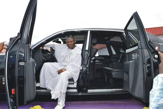 Bishop Tom Samson receives 2014 Rolls Royce Phantom as birthday gift (see photos)