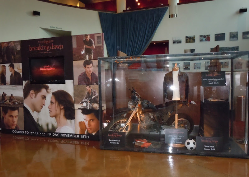Twilight Breaking Dawn movie display