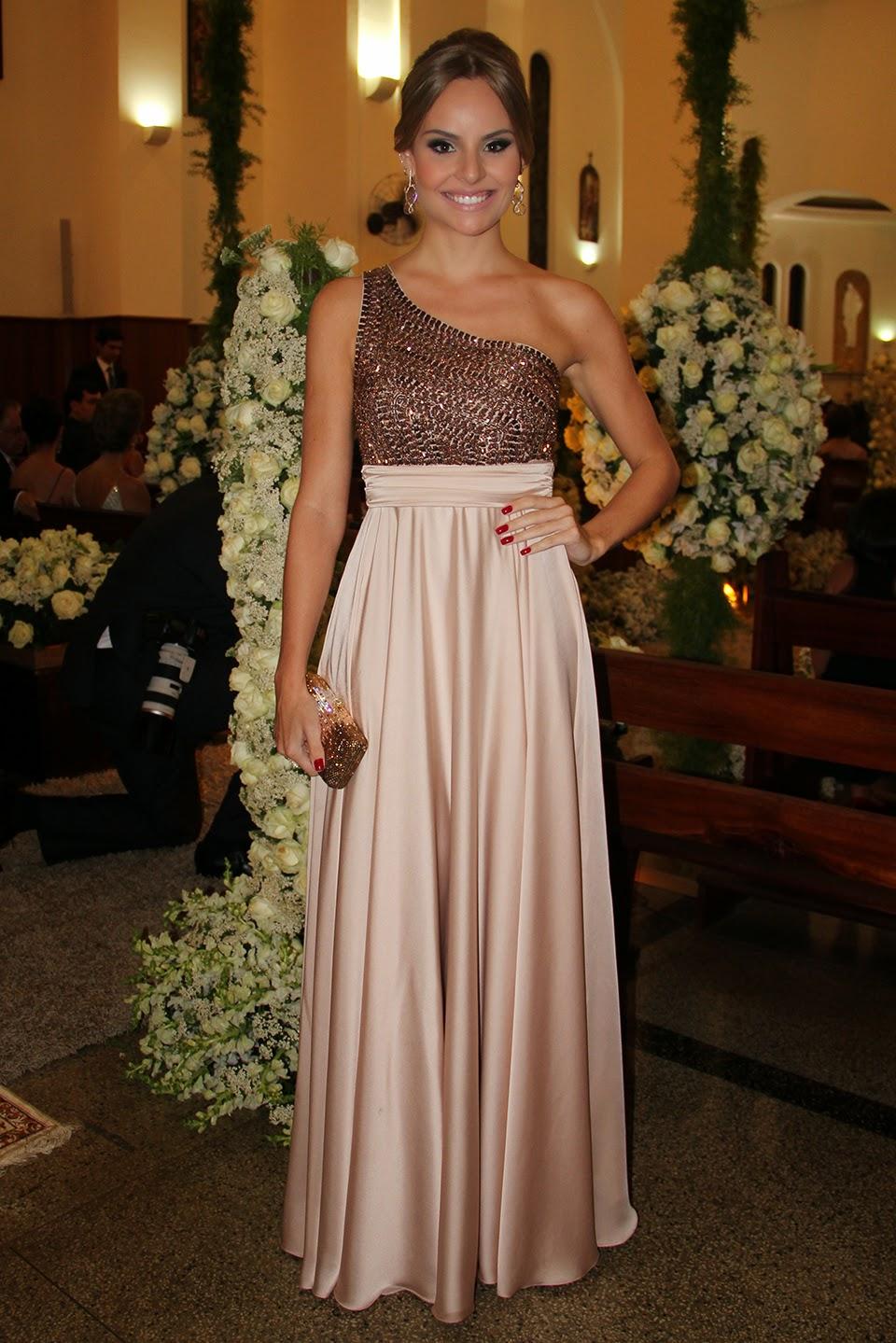 3a3a5d4ab Fonte: http://inspiredresses.com.br/missao-vestido-madrinha-de-casamento/