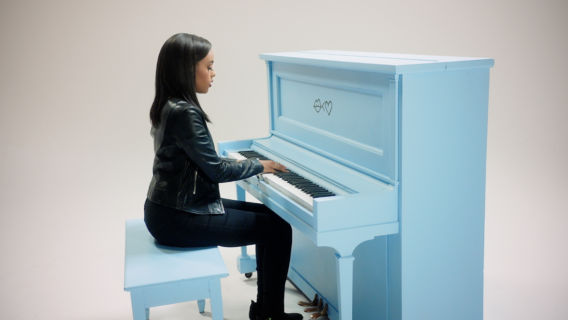 Video: Ruth B. - Superficial Love