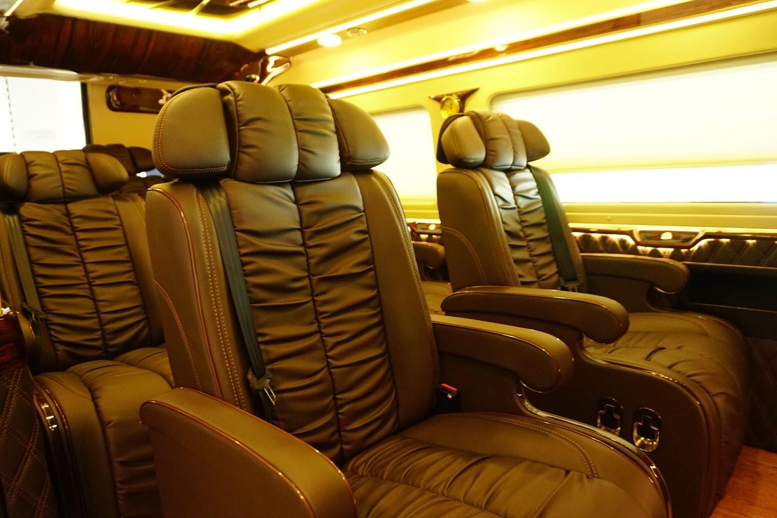 Ghế ngồi được thiết kế sang trọng và êm ái, rộng rãi tối đa, rất đẳng cấp
