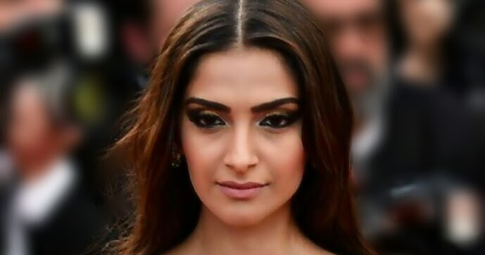 Sonam Kapoor hot red carpet look HD photos