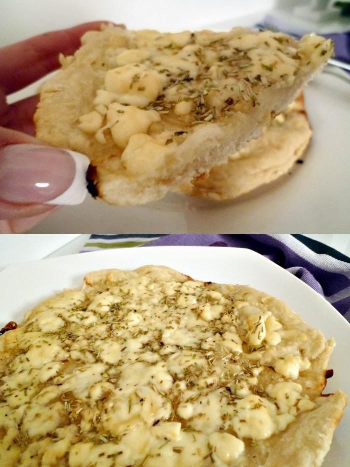 Pfannenpizza mit Feta und Honig
