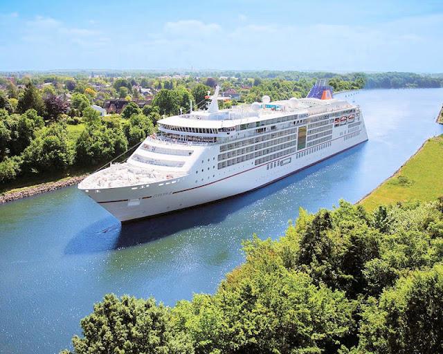 MS EUROPA 2 (C) Hapag-Lloyd Cruises