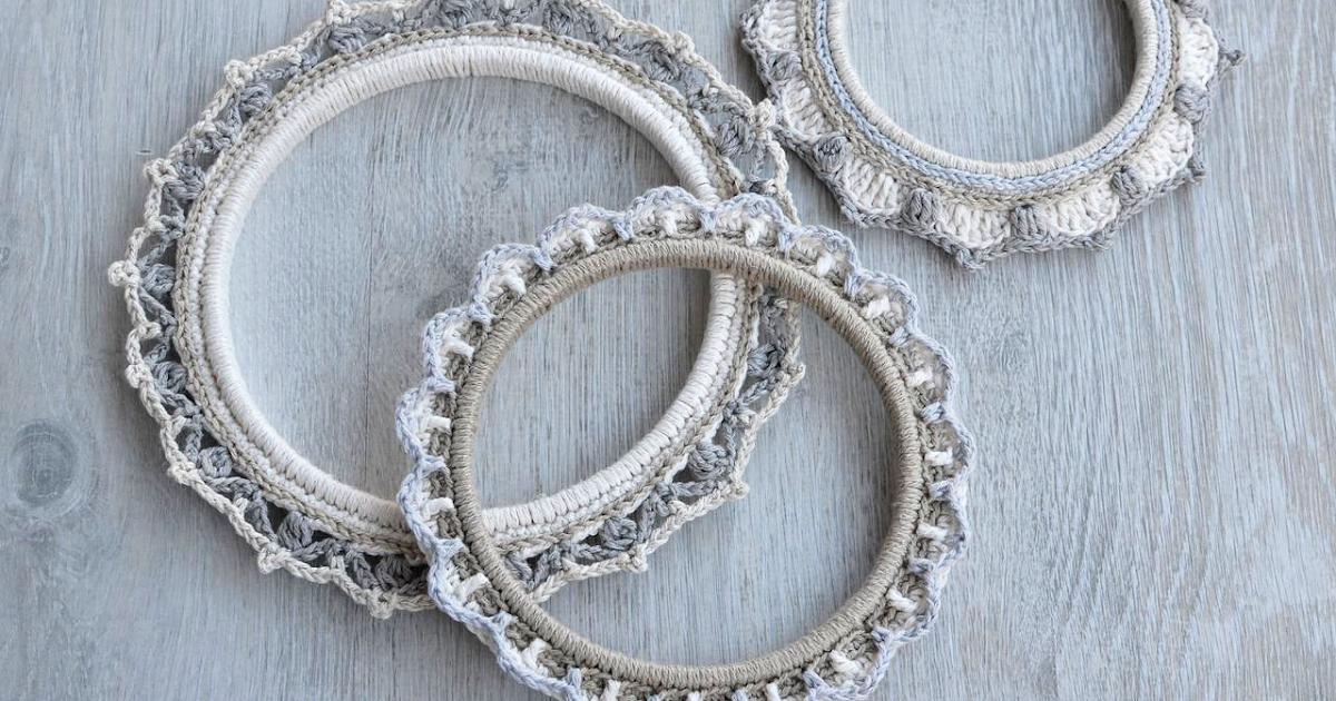 3 Borders Around Embroidery Hoop  Free Pattern