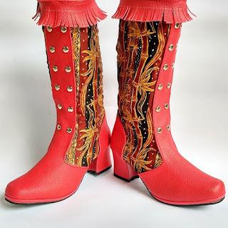 sepatu boots wanita model terbaru